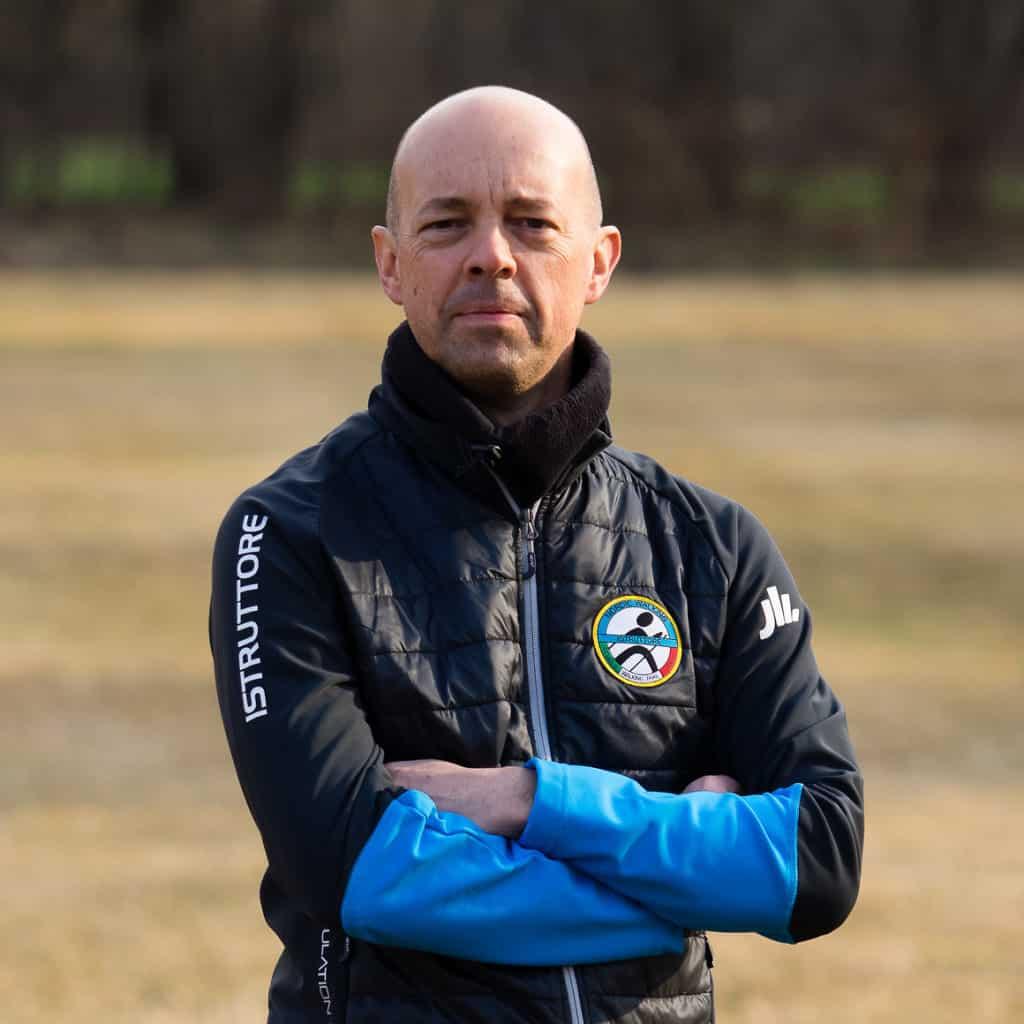 Roberto Fontana Istruttore di Nordic Walking ASC S.Na.Q Scuola Walking Trail Italia